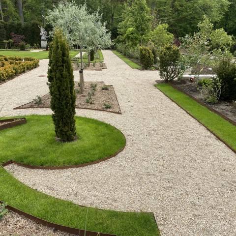 Réalisation d'un jardin à la française