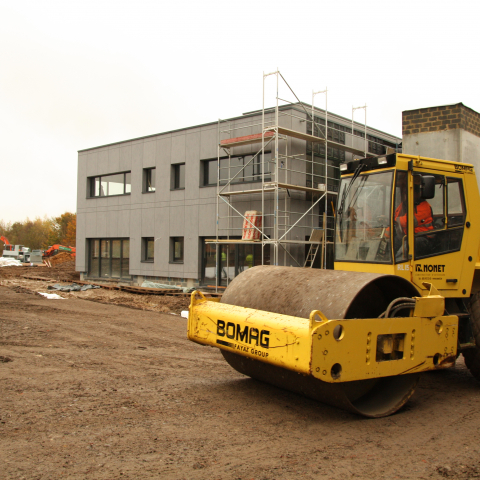 Stabilisation, égouttage, parking et aménagements extérieurs d'un hall de stockage