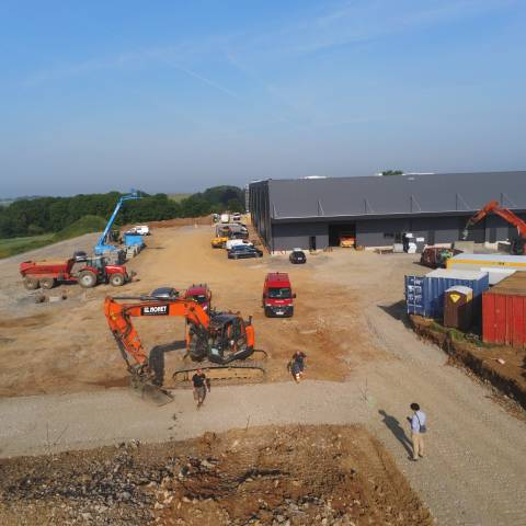 Construction de la nouvelle chaîne d'embouteillage de la Brasserie du Bocq